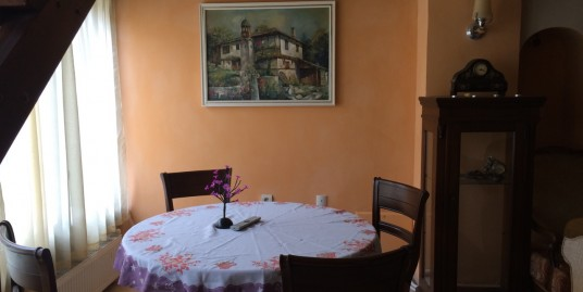 Къща в старинен стил в кв. Любен Каравелов, град Хасково