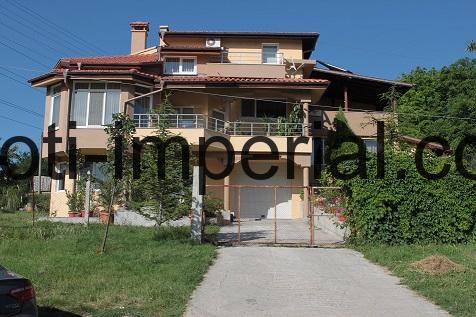 Луксозна къща във вилна зона Кенана