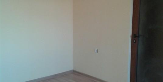 Продава тристаен тухлен апартамент