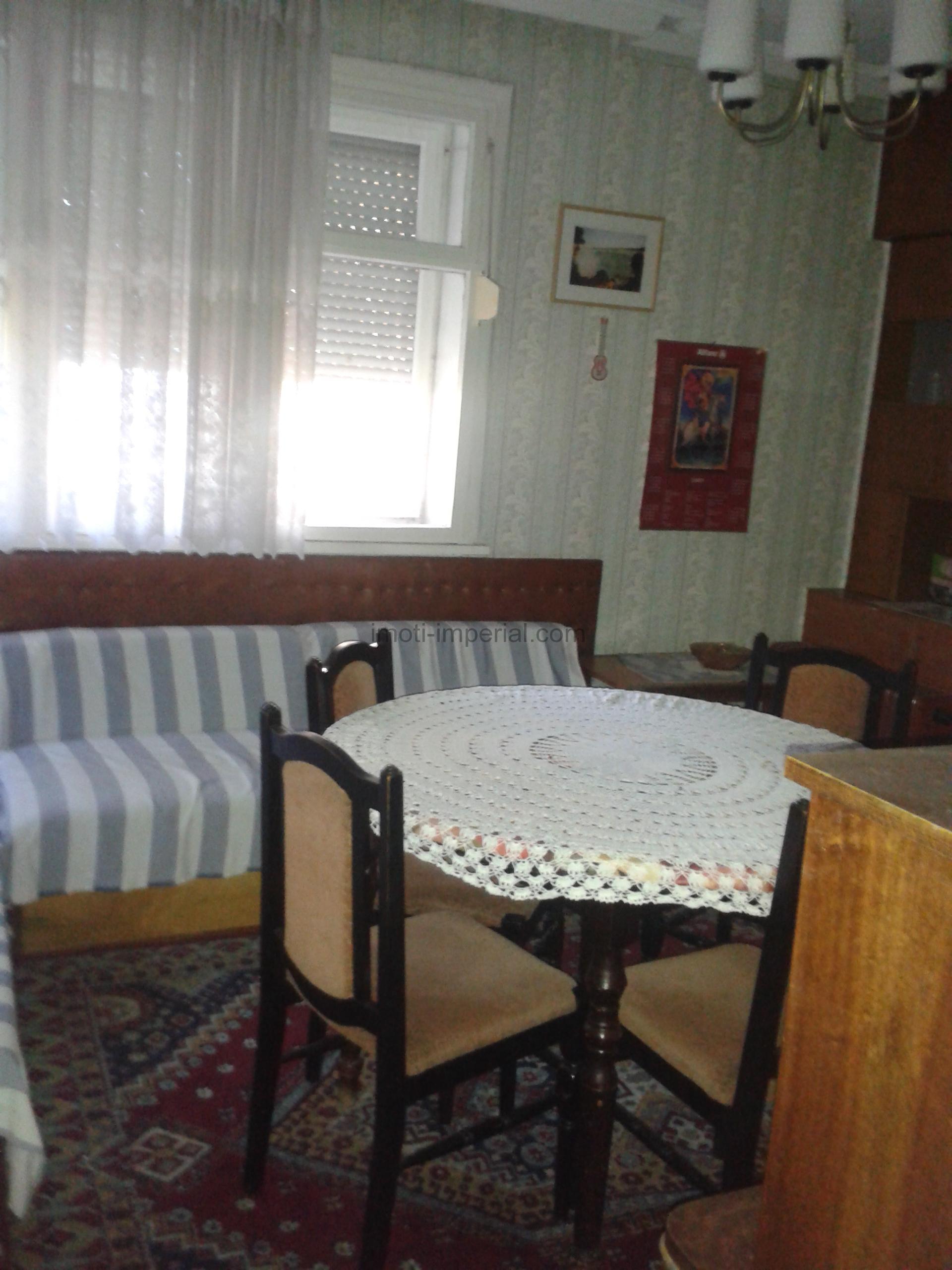 Етаж от кооперация в центъра на град Хасково