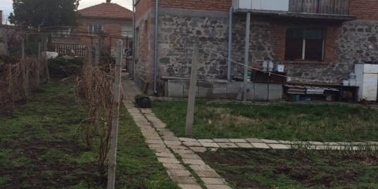 Mасивна къща в с. Горски извор