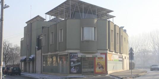 Ъглов търговски обект магазин