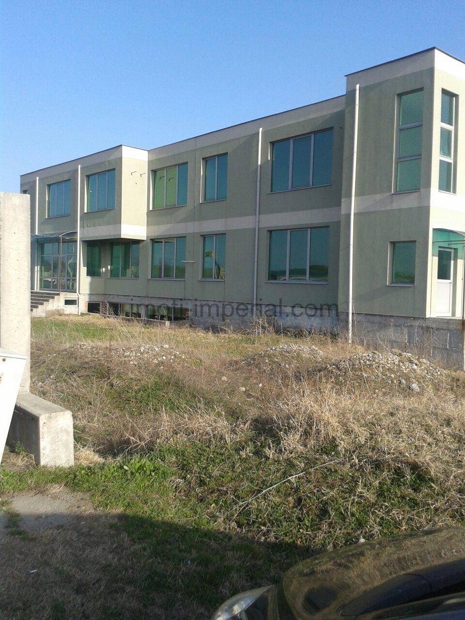 Новопостроена сграда на главен асфалтов път Хасково – Болярово