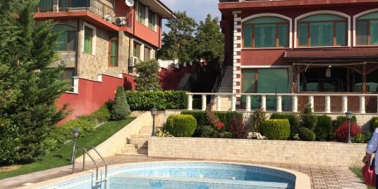 Луксозна триетажна къща с гараж и басейн в кв. Кенана, град Хасково