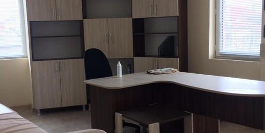 лекарски кабинети в новопостроена сграда със статут на медицински център в гр. Хасково