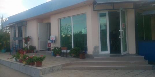 Работеща бензиностанция и газстанция в близко село на 16 км. от гр. Хасково
