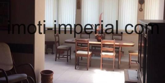 Четиристаен апартамент в центъра на град Хасково