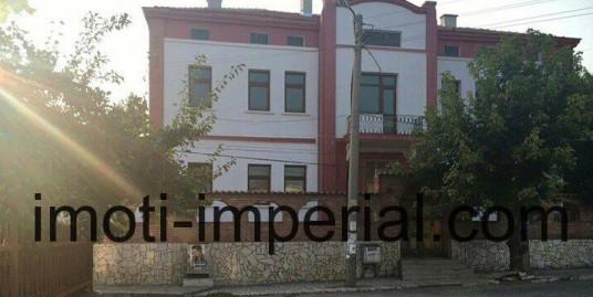 Самостоятелна къща в град Харманли