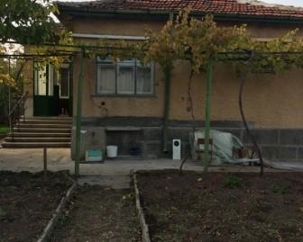 Самостоятелна едноетажна къща в Минерални бани, област Хасково
