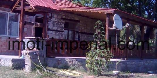 Парцел с къща на 7 км. от язовир Ивайловград