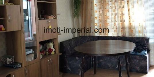 Тристаен панелен апартамент в кв. Любен Каравелов, град Хасково