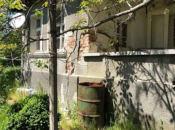 Къща с парцел в кв. Болярово, град Хасково