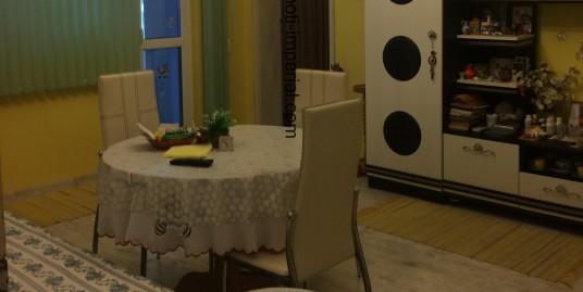 Тристаен монолитен апартамент в кв. Дружба, град Хасково