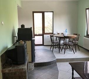 Тристаен апартамент под наем в кв. Дружба, град Хасково