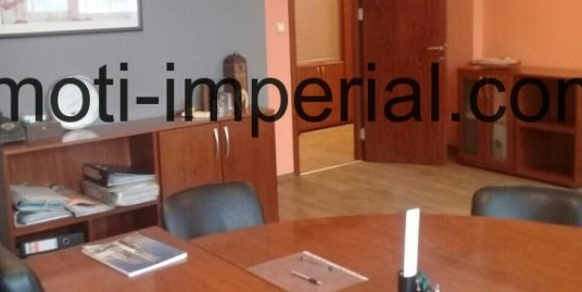 Луксозен офис под наем в центъра на град Хасково