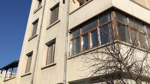 Апартамент с три спални и гараж, разположен в кв. Дружба, град Хасково