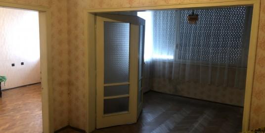 Двустаен апартамент в центъра на град Хасково