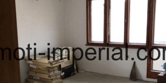 Тристаен тухлен апартамент, ново строителство в кв. Училищни, град Хасково