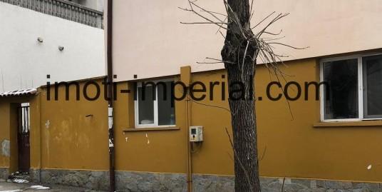 Самостоятелна еднофамилна къща в кв. Овчарски, град Хасково