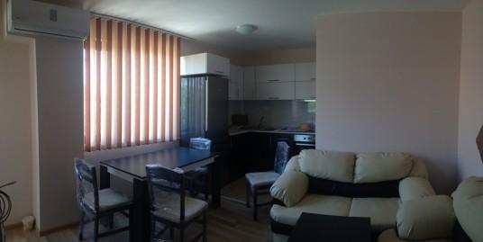 Тристаен апартамент под наем в кв. Младежки хълм, град Хасково