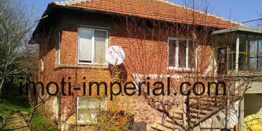 Къща в село на 70 км. от град Хасково