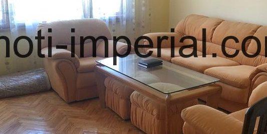 Тристаен апартамент, разположен в кв. Каменни, град Хасково