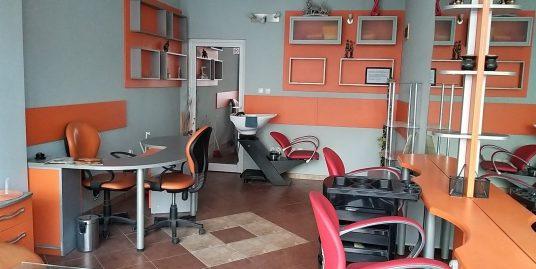 Обзаведен и оборудван салон за красота  в кв. Училищни, град Хасково
