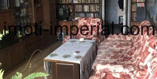 Тристаен слънчев апартамент в кв. Училищни, град Хасково