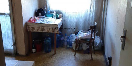 Тристаен апартамент в центъра на град Хасково
