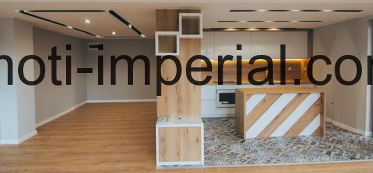 Тристаен луксозен монолитен апартамент в центъра на град Хасково