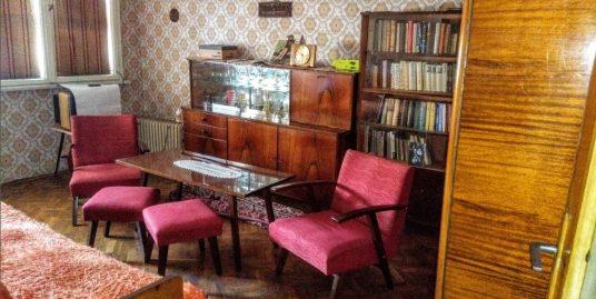 Двустаен тухлен апартамент в центъра на град Хасково