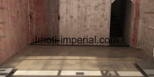 Търговски обект на два етажа в топ центъра на град Хасково