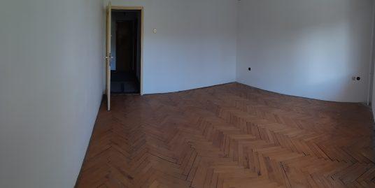 Двустаен тухлен апартамент в кв. Дружба, град Хасково