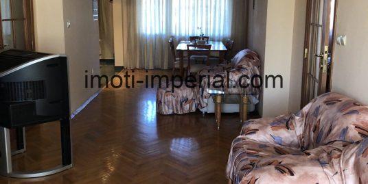 Петстаен апартамент в идеален център на град Хасково